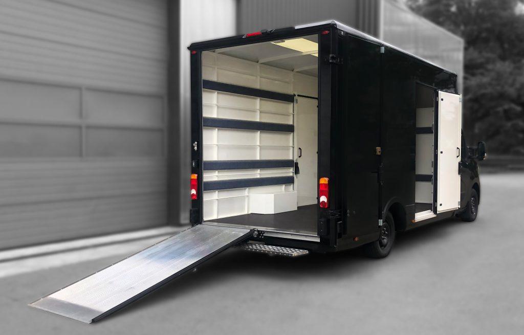 Transport de meubles - 7368363 - Grand volume sur plancher