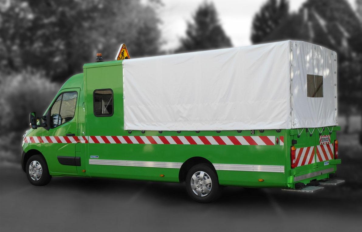 7356158-Pick-up-Double-Bâché-Marche-Pied