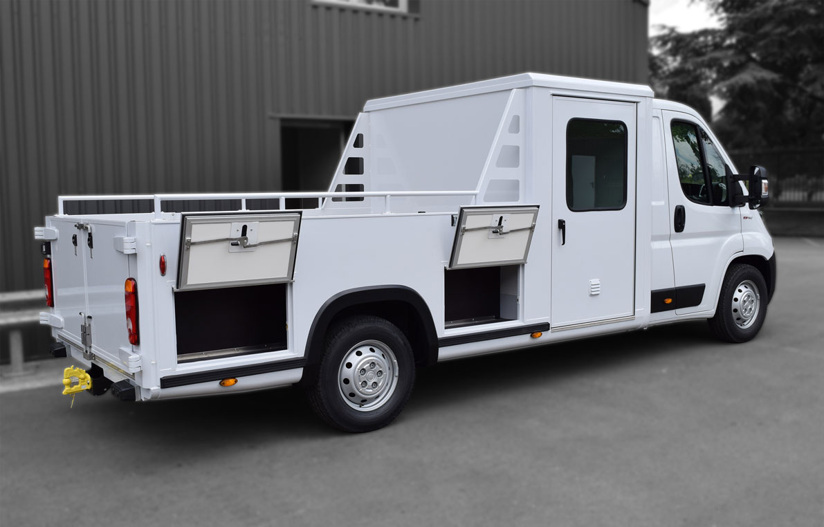 7664403-Pick-up-coffre-double-cabine--chargement