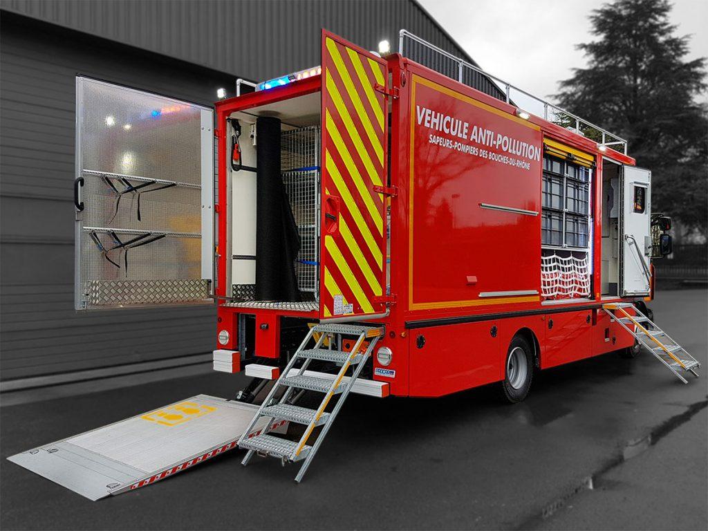 Véhicule anti pollution - 8661661 - Pompiers