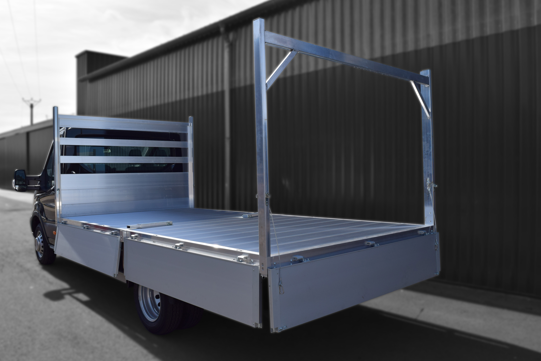 Transport utilitaire - 8862796 - Plateau ridelles plancher cabine