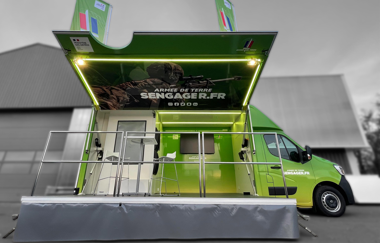Car podium armée de terre - 8067836 - Car podium