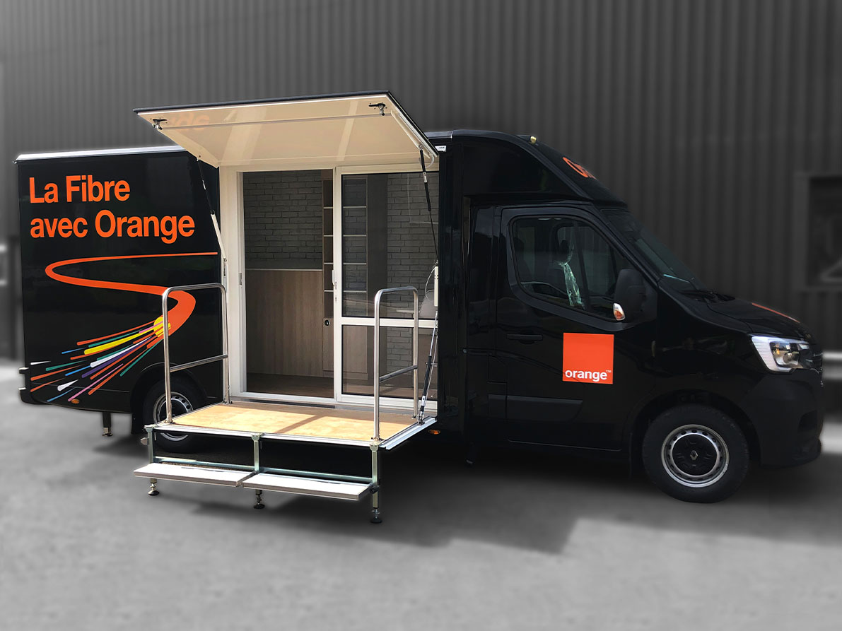 Car podium orange -8067993 - Car Podium