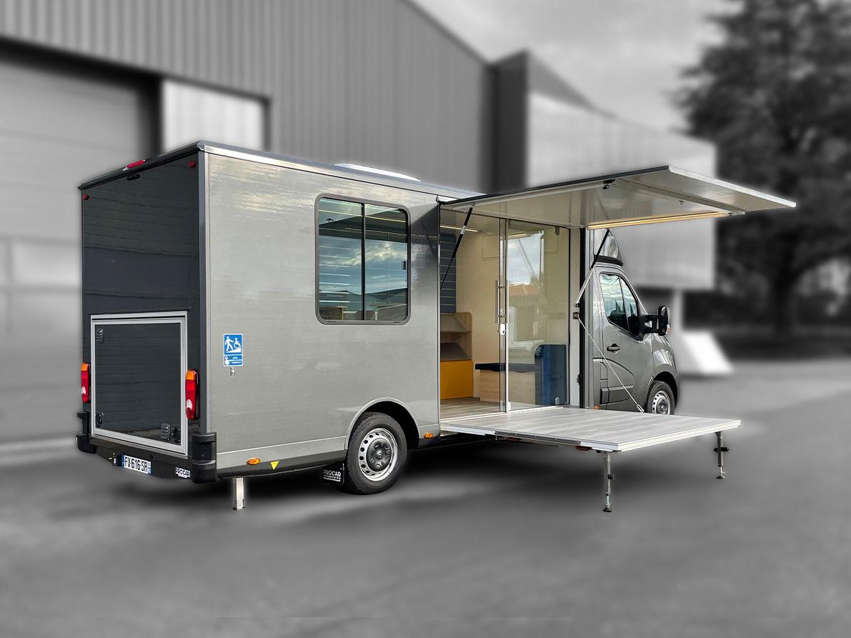 Promotion - animation - 8068348 - Bureau Mobile - Car Podium