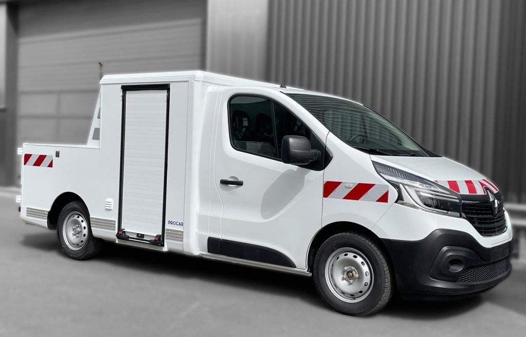 7369423-Pick-up-Simple-Rideau-Transport