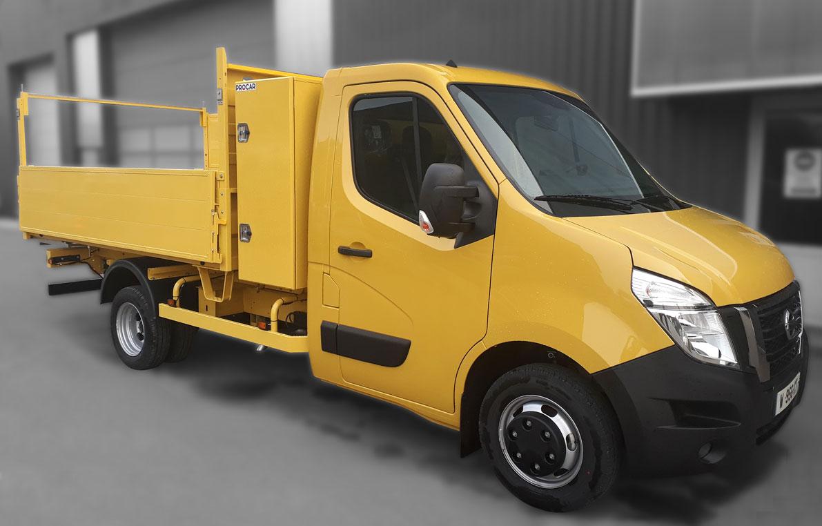 Véhicule Utilitaire Léger à vendre - 8968659 - Benne Nissan