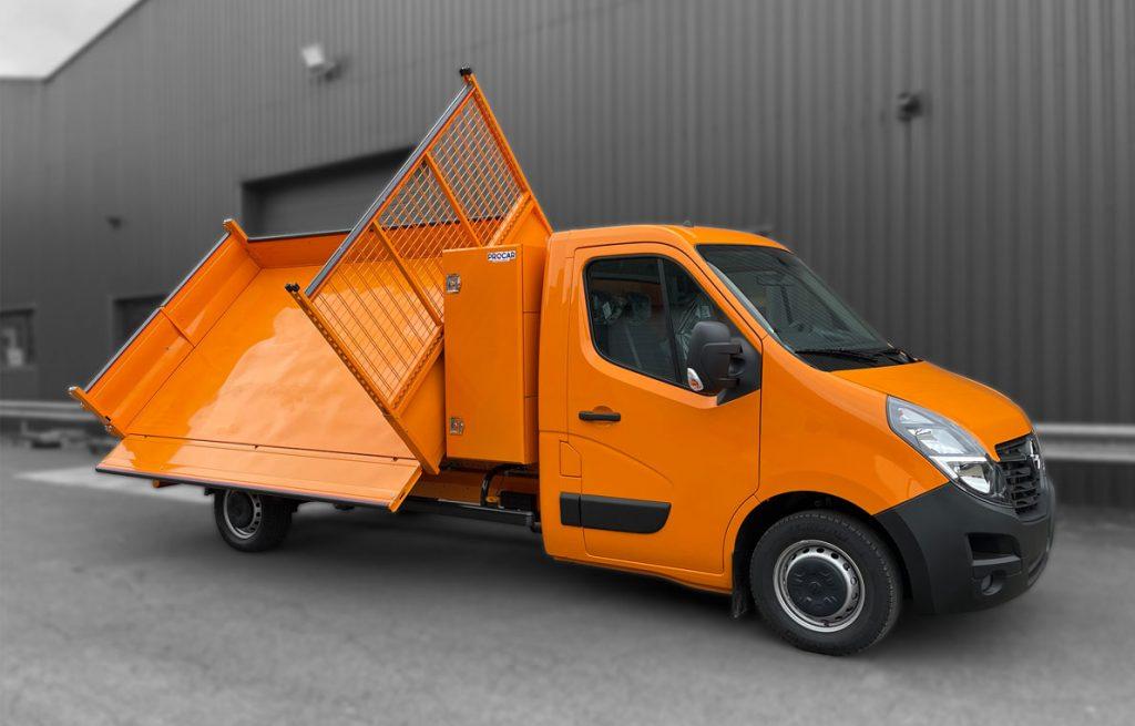 8967914-Benne-Triverse-Opel-Sur-mesure-Transport-Utilitaire